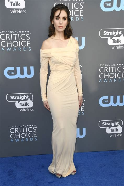 Alison Brie Age, Height, Husband, Net Worth, Measurements