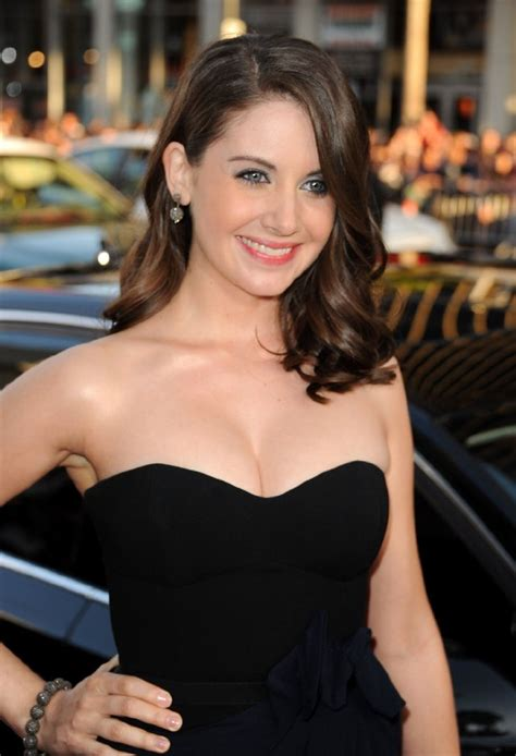 Alison Brie Hot Topless Leaked Bikini Feet Pictures Star