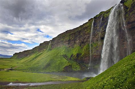 All About The Famous Places: Iceland Scenery Toursim New